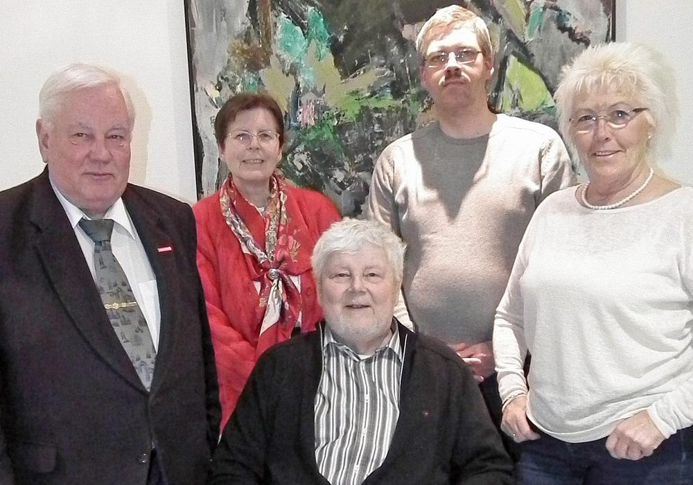 Der amtierende Vorstand (v.l.n.r: Heinz Bottke, Karin Bottke, Achim Klaffehn, Christian Bottke und Jutta Geißler) ist bereit die Leitung des Vereins ehrenamtlich fortzusetzen. Foto: ADAC Ortsclub Helmstedt