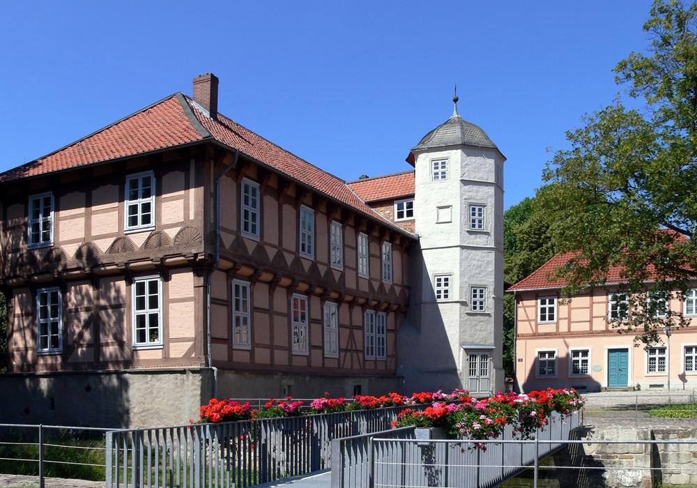 Das Schloss ist prägend für die Altstadt, die in Fallersleben historisch erhalten bleiben soll. Foto: Hoffmann-von-Fallersleben-Museum/Peter Riewaldt