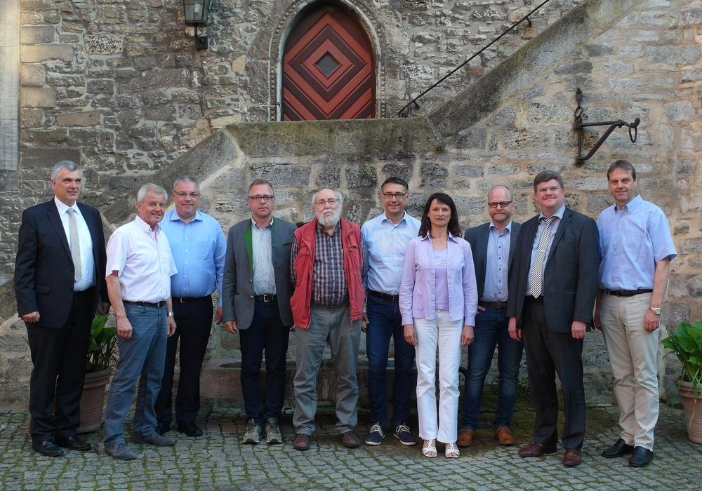 Die Lenkungsgruppe der ILE-Region Elm-Schunter auf Burg Warberg. Foto: Amtshof Eicklingen Planungsgesellschaft