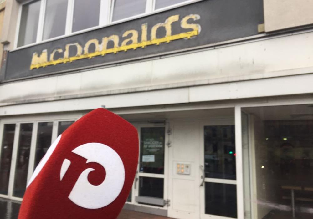 regionalHeute.de hat sich mal umgehört, welche Idee die Braunschweiger für eine Nachnutzung des ehemaligen Mc Donalds am Bohlweg haben. Foto/Podcast: Anke Donner