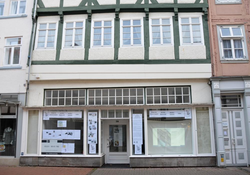 """In einem leerstehenden Geschäft auf der Langen Herzogstraße 28 werden in dieser Woche die Ergebnisse des Projektes """"Wege der Erinnerung(en) präsentiert."""" Foto: Gedenkstätte in der JVA Wolfenbüttel"""