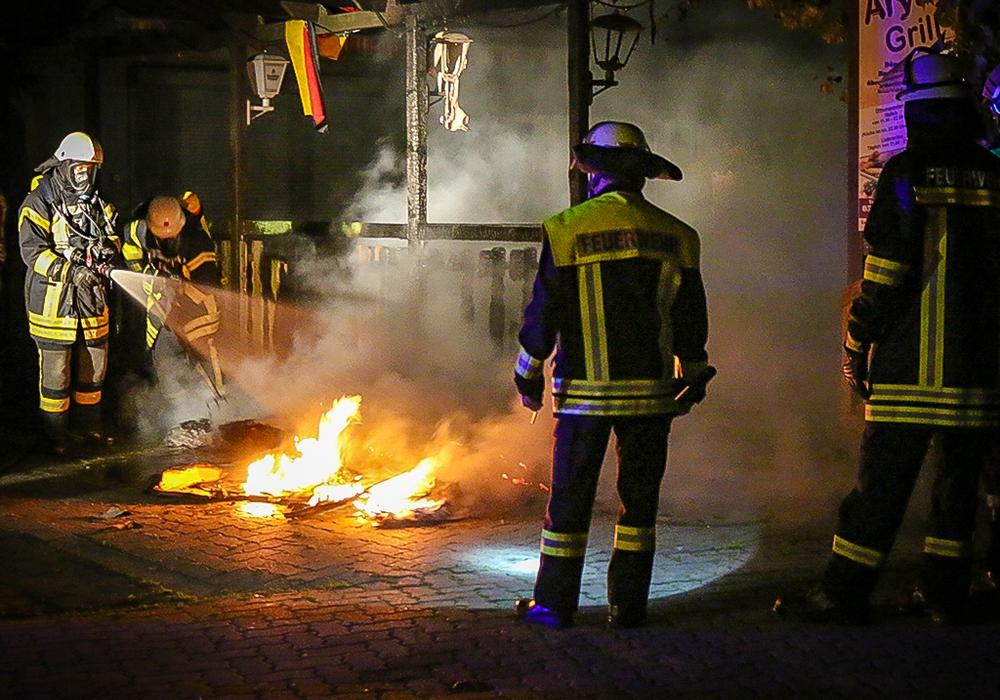 Ein Leser wollte wissen, wann welche Feuerwehr zu einem Einsatz ausrückt. regionalHeute.de ist der Frage nachgegangen und hat Kurt Jakobi, Ortsbrandmeister von Wolfenbüttel, gefragt. Symbolfoto: Werner Heise