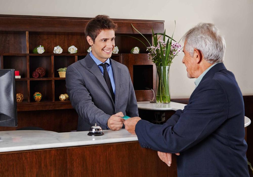 Fragen rund um das Thema Ausbildung im Hotel- und Gastgewerbe stehen am 15. November auf dem Programm. Foto: Bundesagentur für Arbeit