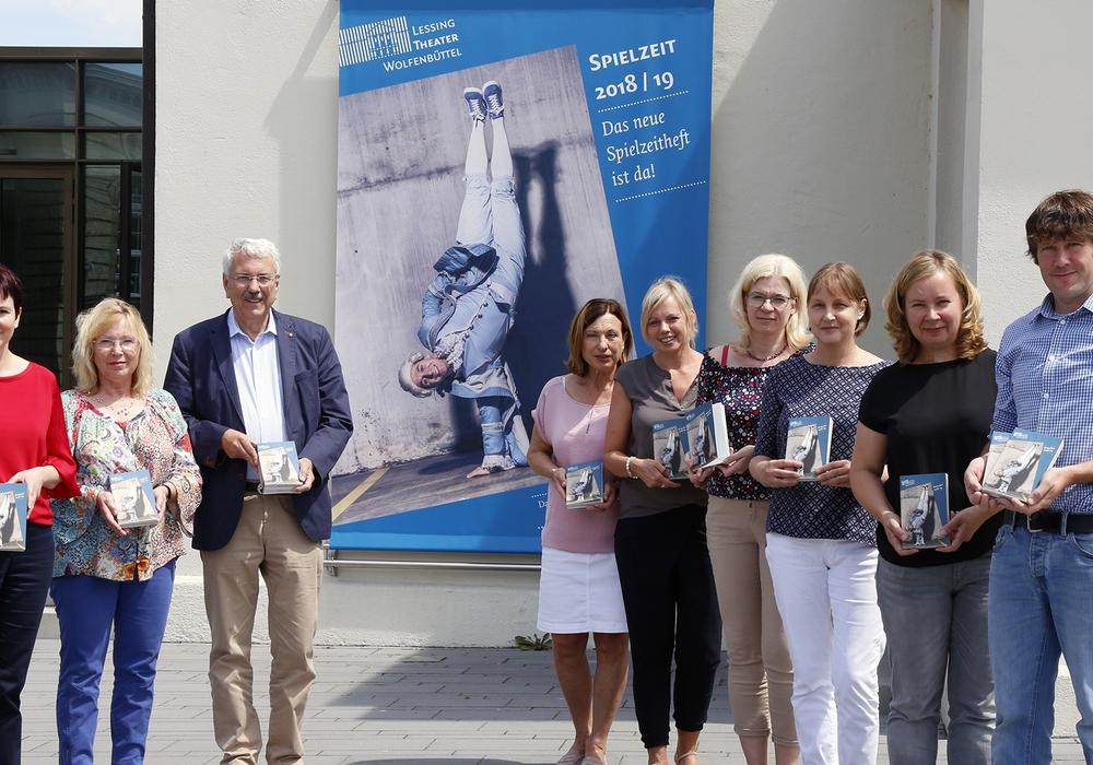 Das neue Heft zur Spielzeit wurde am Donnerstag vorgestellt. Foto: Stadt Wolfenbuettel/rae