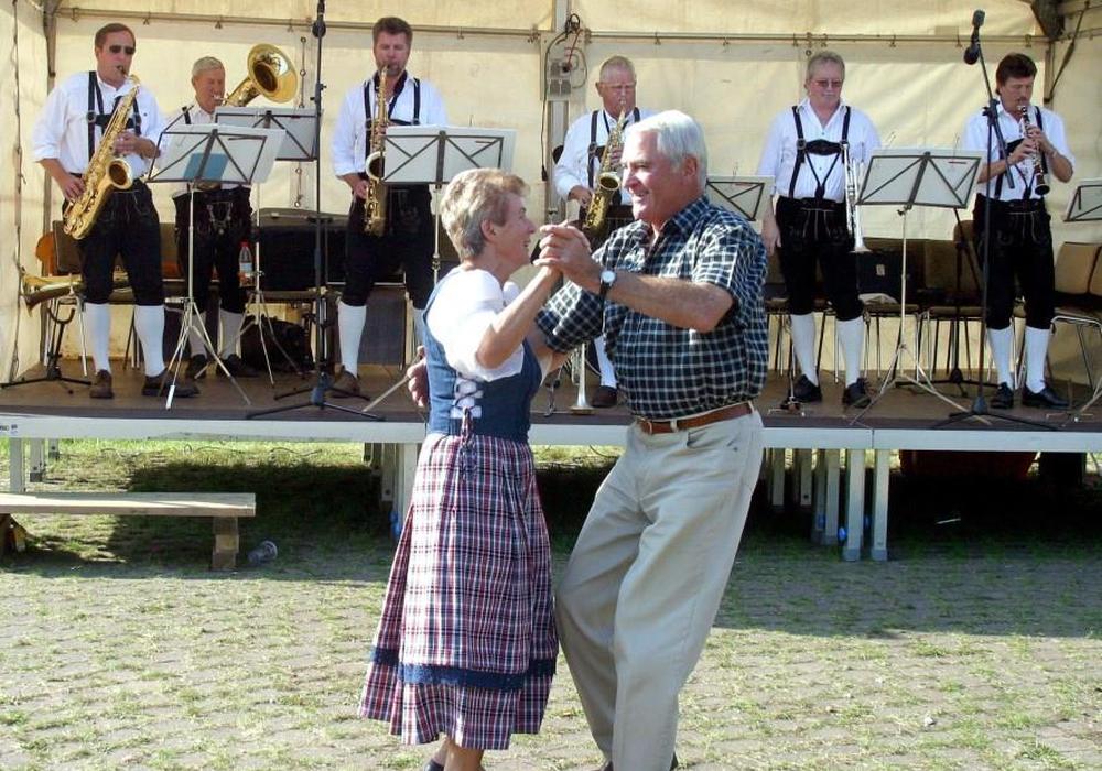 Das Musikantentreffen lädt zum Tanzen ein. Foto: HAHNENKLEE tourismus marketing gmbh