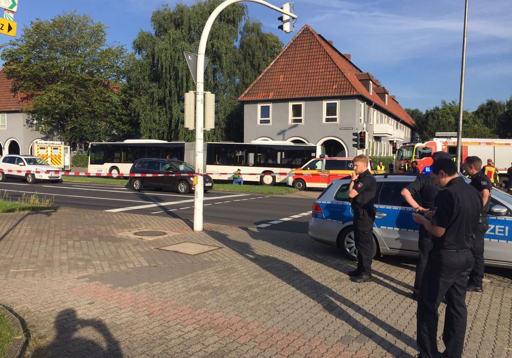 Die Unfallstelle befindet sich im Kreuzungsbereich Kattowitzer Straße/Bruchtmachtersenstraße. Foto: Alexander Panknin