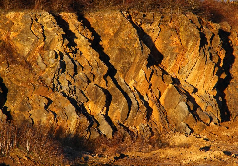 Der Steinbruchbetrieb am Huneberg soll um ein neues Abbaufeld mit 50 Hektar Größe erweitert werden. Symbolfoto: pixabay