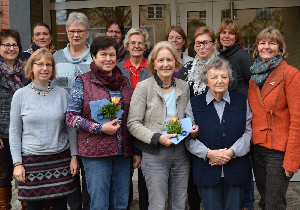 Die Dorfhelferinnen bei der Verabschiedung ihrer Kollegen. Foto: Evangelisch-Lutherischer Kirchenkreis Peine