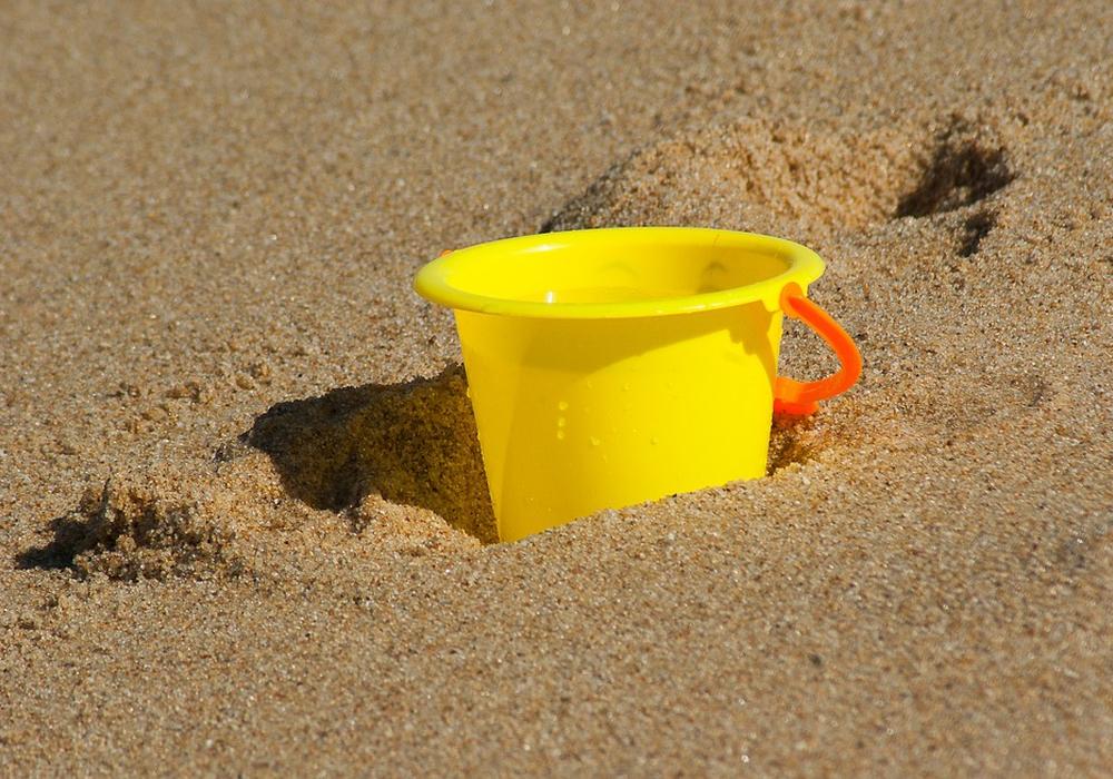 Behältnisse für den Sand müssen selbst mitgebracht werden. Symbolbild: pixabay