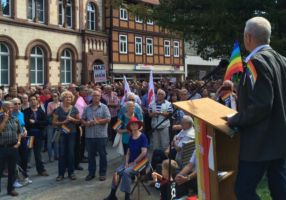 Landrat Thomas Brych bedankt sich in einer Pressemitteilung für die Unterstützung bei der Kundgebung des Bündnis gegen Rechts am vergangenen Samstag. Foto: Lienkamp/Landkreis Goslar