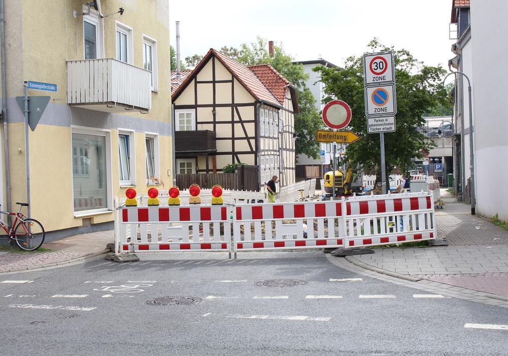 Ab dem heutigen Montag soll die Vollsperrung im Einmündungsbereich zwischen Kannengießerstraße und Karlstraße wieder aufgehoben. Symbolfoto: Jan Borner