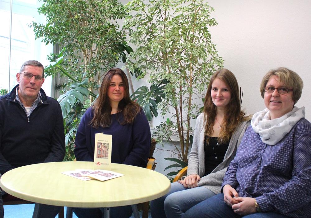 Das Team des Pro-Aktiv-Centers: Johann Brouer, Cathrin Kuffner, Rebecca Maschke und Jennifer Ksoll (v.l.). Foto: Nick Wenkel