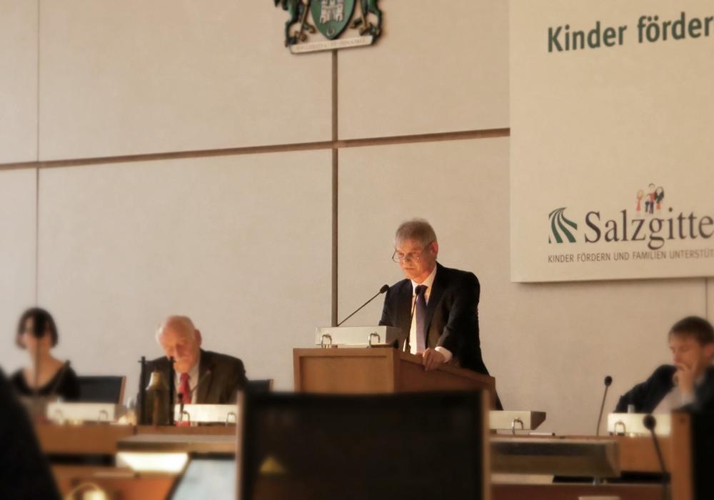Oberbürgermeister Frank Klingebiel hält Antrag für einen Missbilligungsantrag. Archivfoto: Alexander Panknin