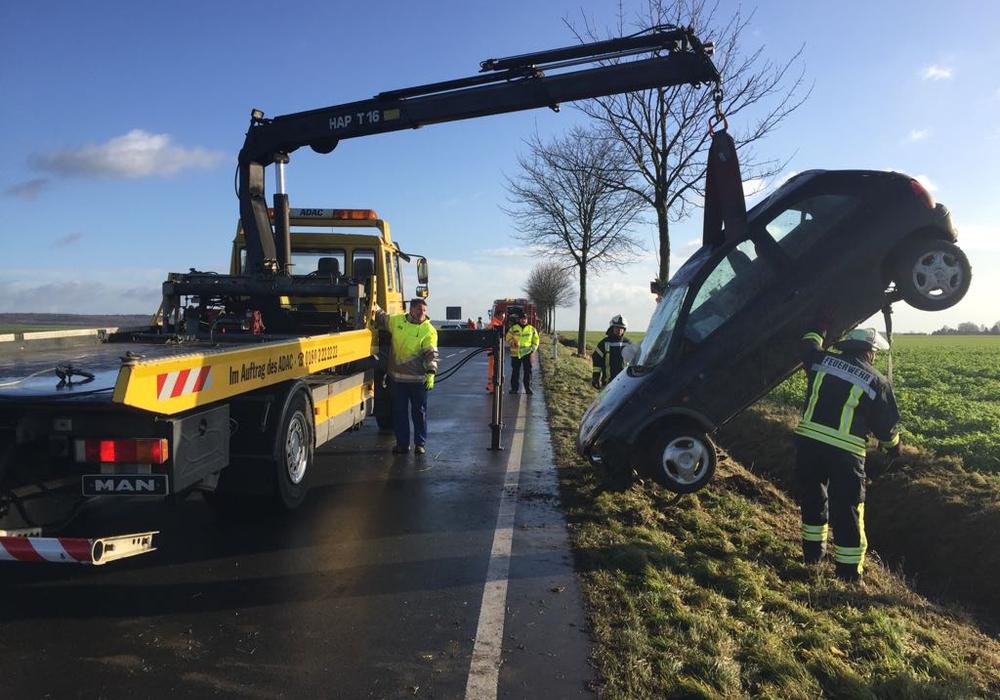 Die Polizei sucht Zeugen zu einem Unfall, der sich am Freitag zwischen Schöppenstedt und Groß Dahlum ereignete. Foto: Anke Donner