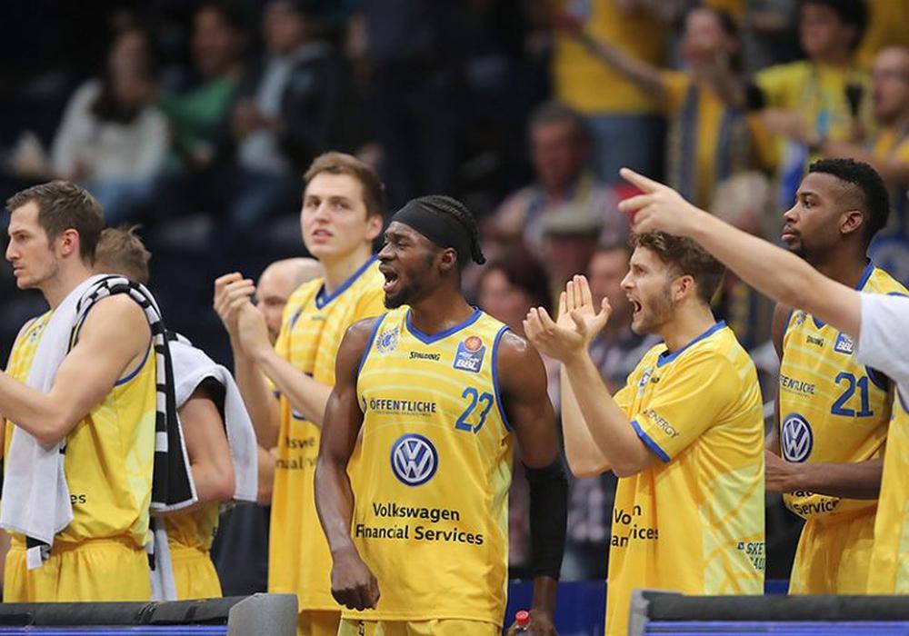 Die Basketball Löwen reisen selbstbewusst nach Würzburg. Foto: Agentur Hübner/Archiv