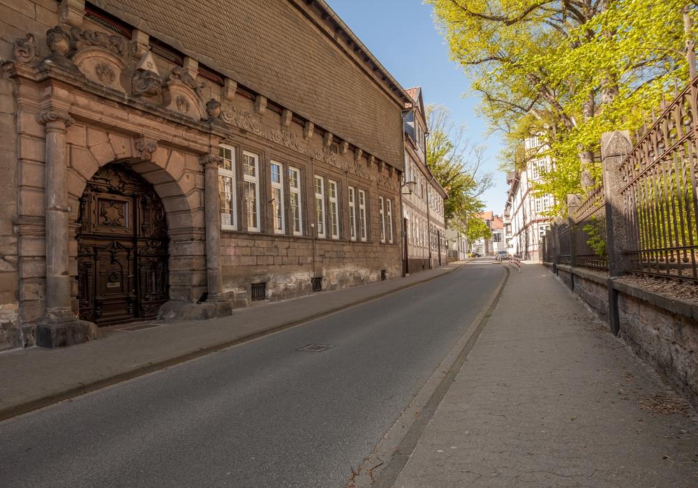Für einen Dokumentarfilm über Erich Kästner sollen wichtige Szenen aus dem Leben des Schriftstellers vor historischer Kulisse in Goslar nachgespielt werden. Symbolfoto: Alec Pein