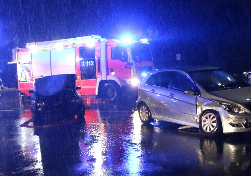 Am Freitagabend gab es einen Auffahrunfall mit mehreren Verletzten. Foto: Rudolf Karliczek/Salzgitterinfos
