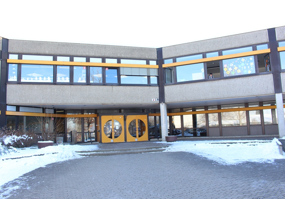 Im städtischen Schulausschuss wurde die Idee geäußert, die neue Oberstufe der Henriette-Breymann-Gesamtschule in Räumlichkeiten des Theodor-Heuss-Gymnasiums unterzubringen. Symbolfoto: Archiv