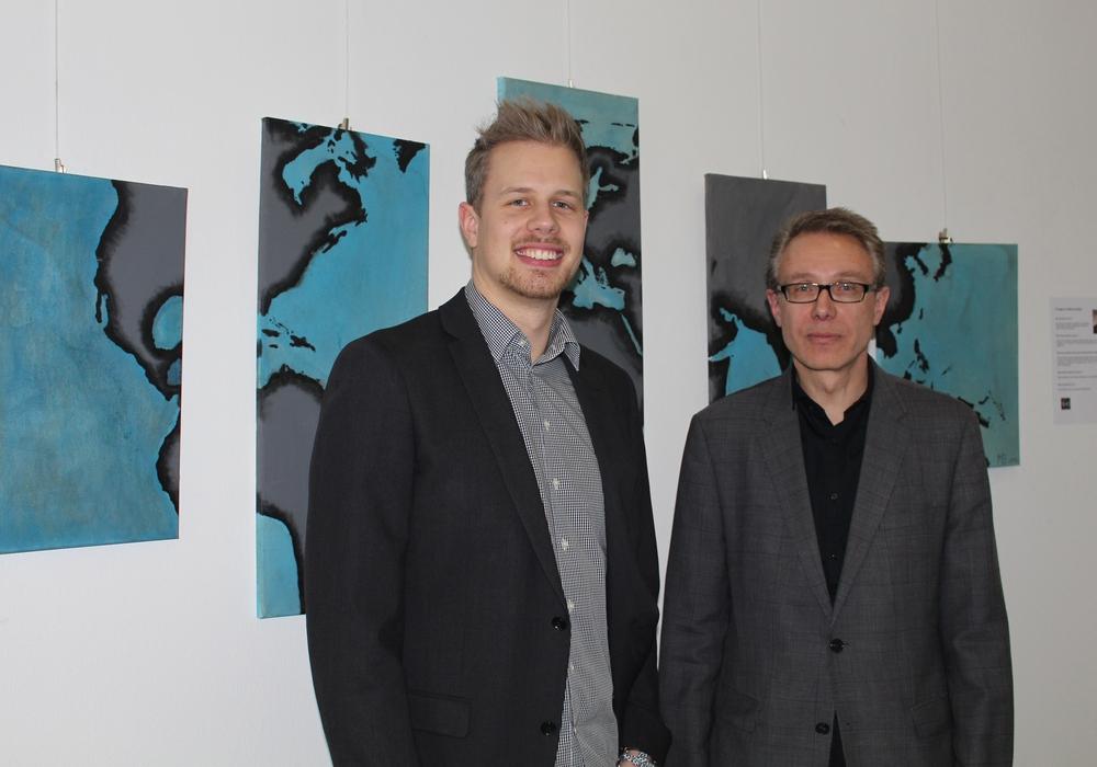 Martin und Werner Bothe stellen ihre Bilder in der Landkreisverwaltung aus. Foto: Jan Borner