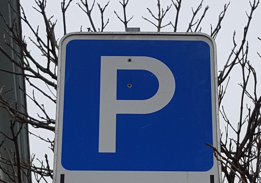 Der Parkplatz P3 im Allerpark muss teilweise gesperrt werden. Symbolfoto: Jan Borner