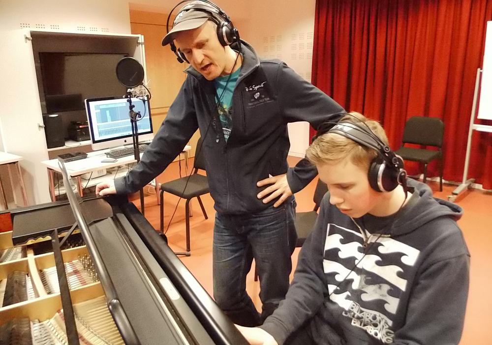 Profis coachen junge Popmusik-Talente in der Landesmusikakademie Niedersachsen. Foto: Privat