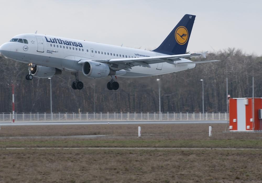 Ein Lufthansa Airbus A320 im Landeanflug. Foto: Lufthansa Bildarchiv