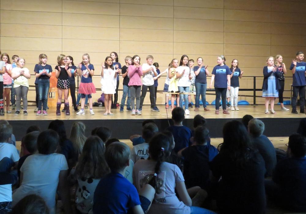 Es wurde ein abwechslungsreiches Programm geboten. Fotos: Wilhelm-Raabe-Schule