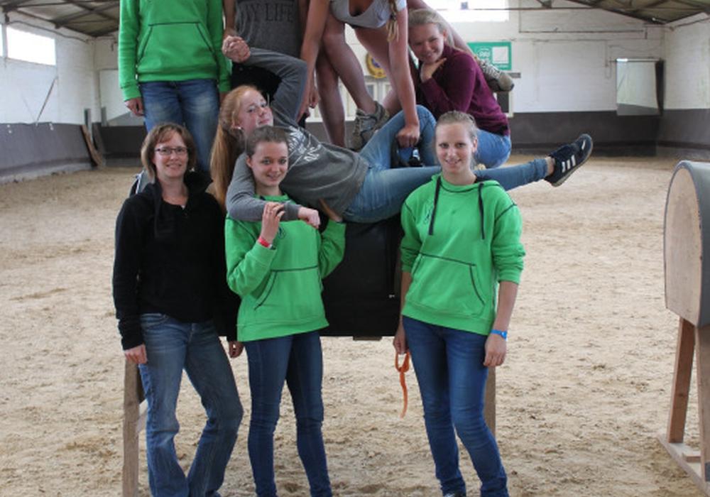 Gruppenbild der Ausbilder unter Leitung von Tanja Eßmann (vorne links im Bild). Foto: Privat