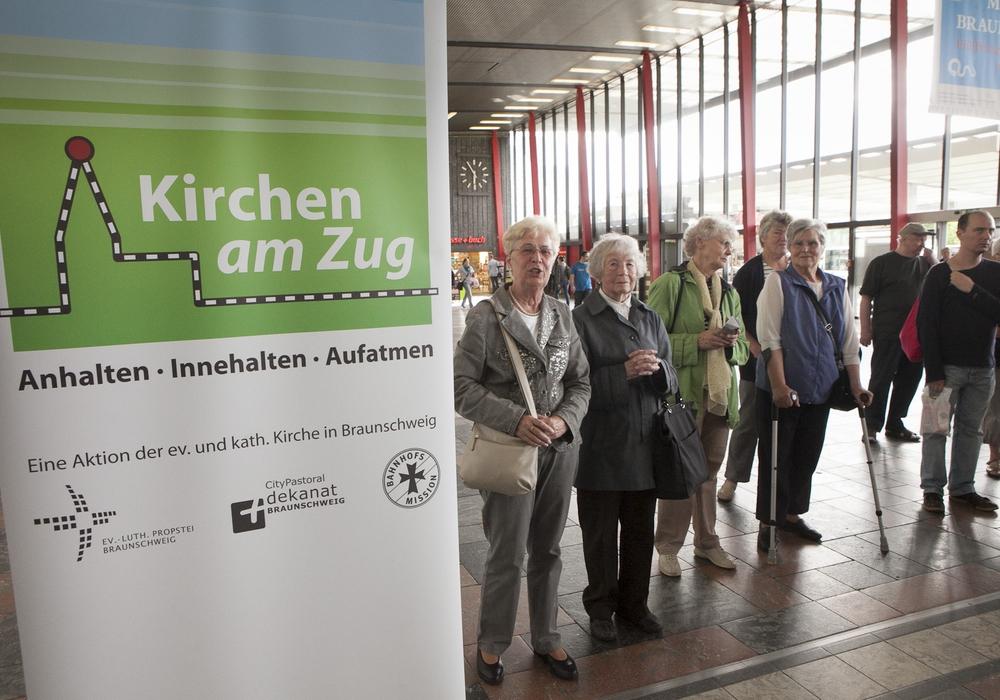 """Die Reihe """"Kirchen am Zug"""" macht am Mittwoch am Hauptbahnhof Station. Foto: Ev. Kirchengemeinde St. Magni"""