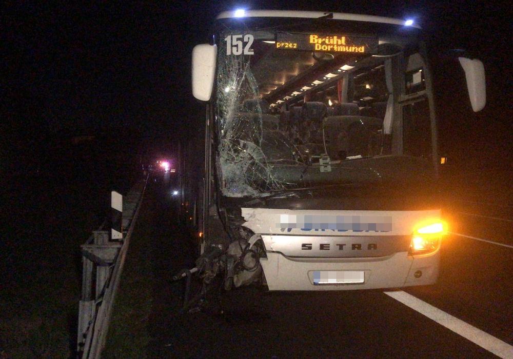 Der Reisebus war nicht mehr fahrbereit. Fotos: aktuell24/BM