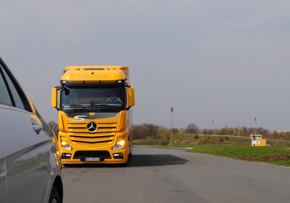 Laut einem Antrag der Gruppe SPD/Grüne/BIBS im Bezirksrat Volkmerode befürchten Anwohner in Dibbesdorf eine drastische Zunahme des LKW-Verkehrs. Symbolfoto: Marc Angerstein