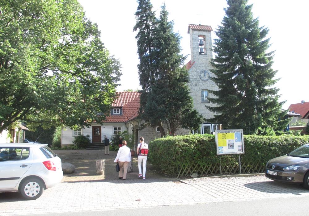 Die katholische Kirche am Wasserweg in Velteim. Foto: Lorenz