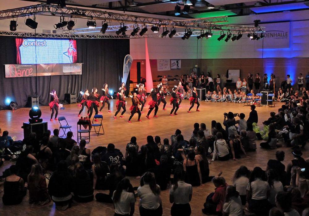 Über 600 Tänzern und Tänzerinnen eroberten die Lindenhalle. Fotos: Oliver Ding