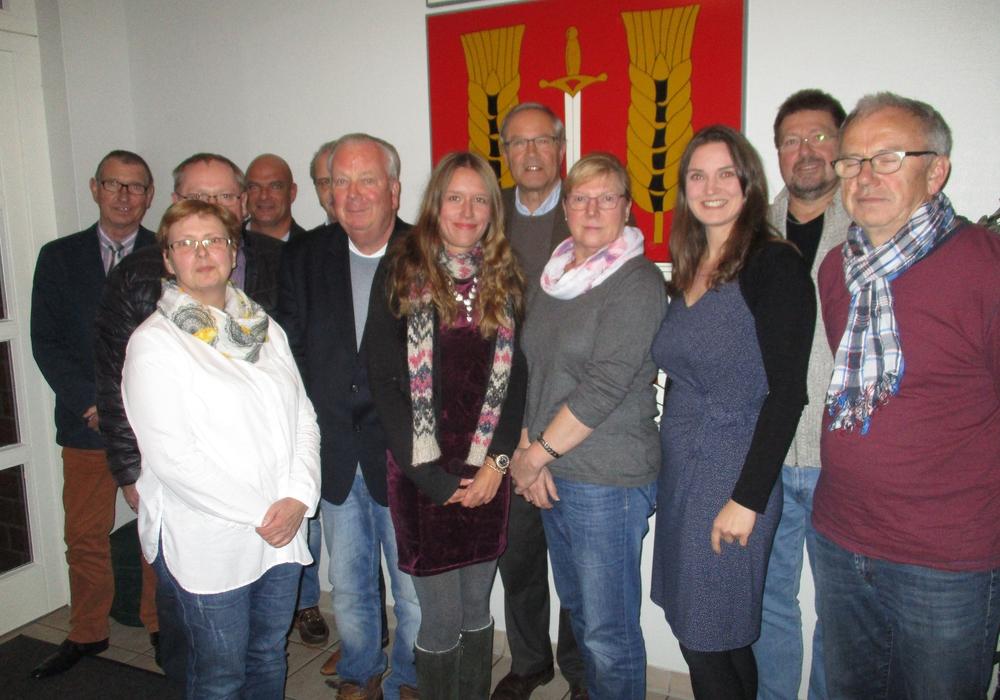 Bernhard Löhr (CDU), Beate Maiberg (Samtgemeinde), Thorsten Giese (CDU), Klaus Eysoldt (CDU), Thomas Dersintzke (CDU), Gerhard Wiche (CDU), Jacqueline Gödecke (CDU), Wilfried Bennecke (CDU), Doris Grau (SPD), Kirsten Will (SPD), Dieter Fricke (SPD), Wolfgang Fischer (SPD). Foto: Privat