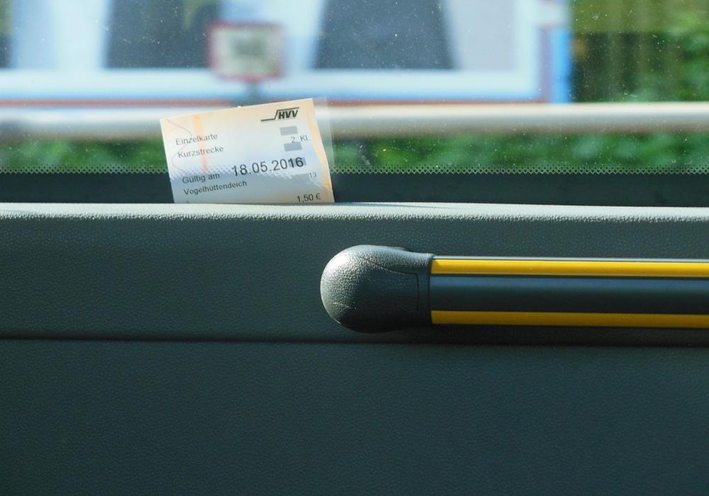 Ab sofort erhalten Fahrgäste ihre Fahrscheine nicht mehr im Vorverkauf. Symbolfoto: Pixabay