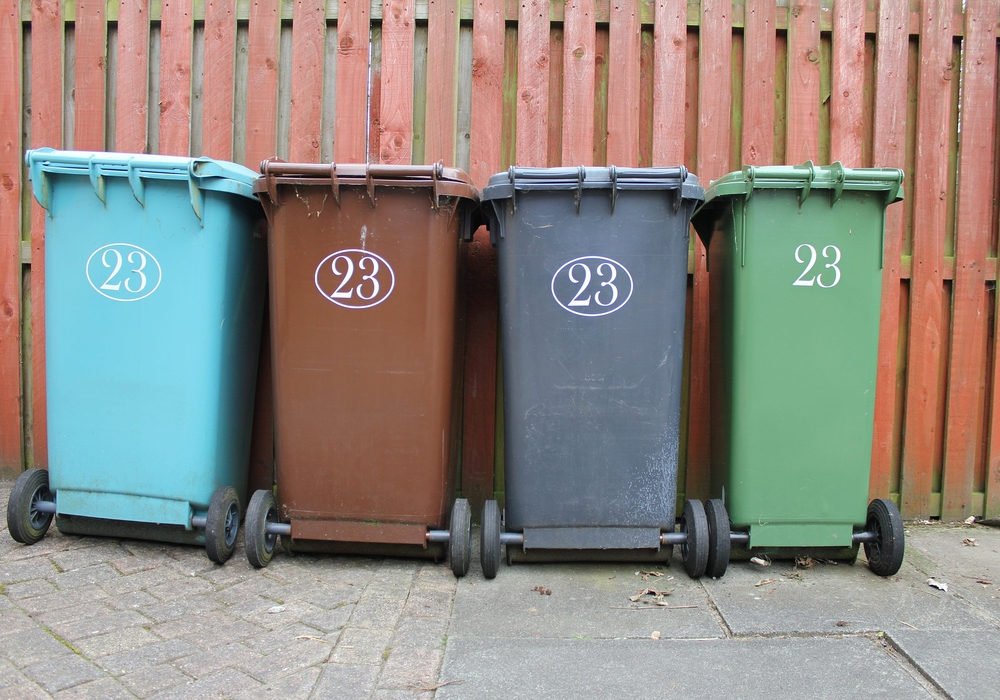 Die Mülltonnen haben jetzt einen Chip, mit dem die Gebühren individuell berechnet werden können. Symbolfoto: Pixabay.