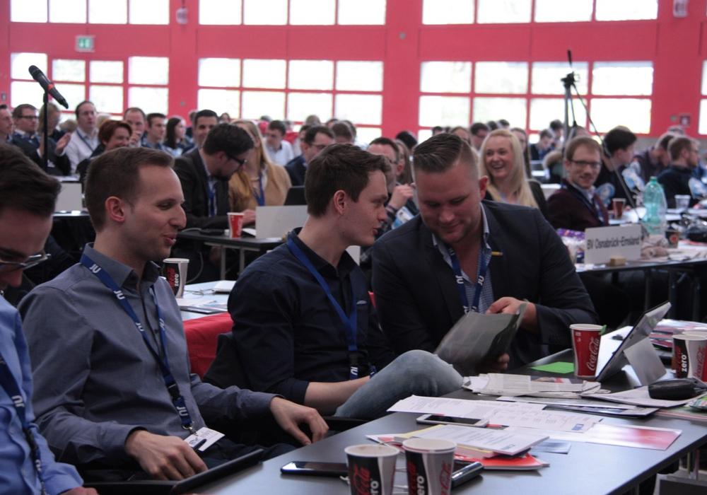 Claas Merfort und Christoph Ponto in der Diskussion. Foto: JU Braunschweig