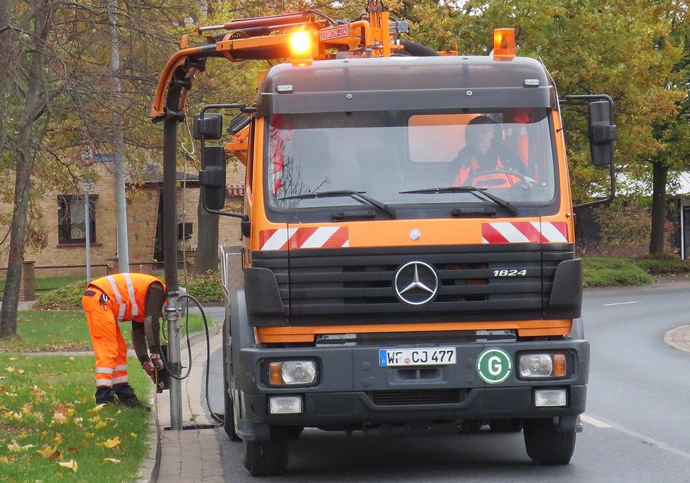 Der Abfallwirtschaftsbetrieb informiert über die geänderten Abholtermine. Symbolfoto: Anke Donner