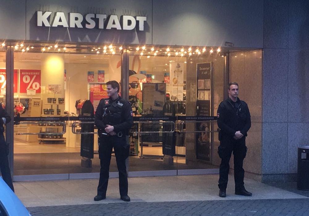 Durch das Zusammenspiel von Ermittlern, Staatsanwaltschaft und Zeugen konnte die Karstadt-Bombendrohung aufgeklärt werden. Foto: Foto: aktuell24/BM