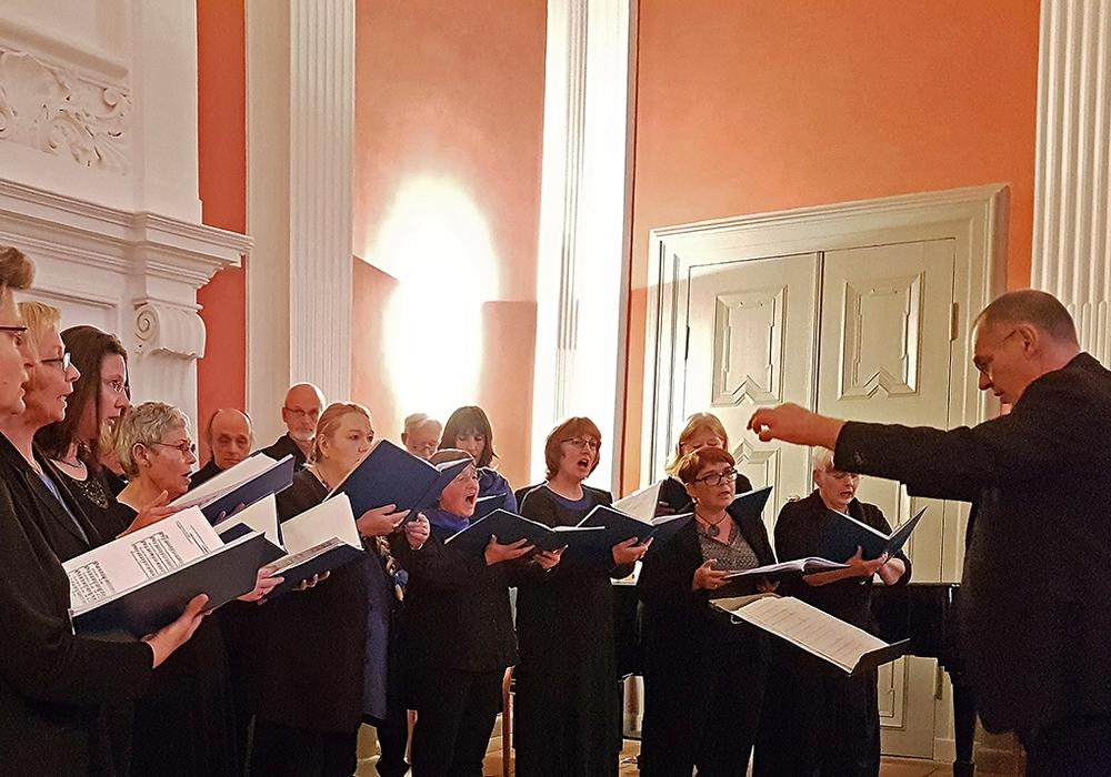 Der Canto Vivo - Kammerchor tritt in Sickte auf. Foto: Hans-Jürgen Helke