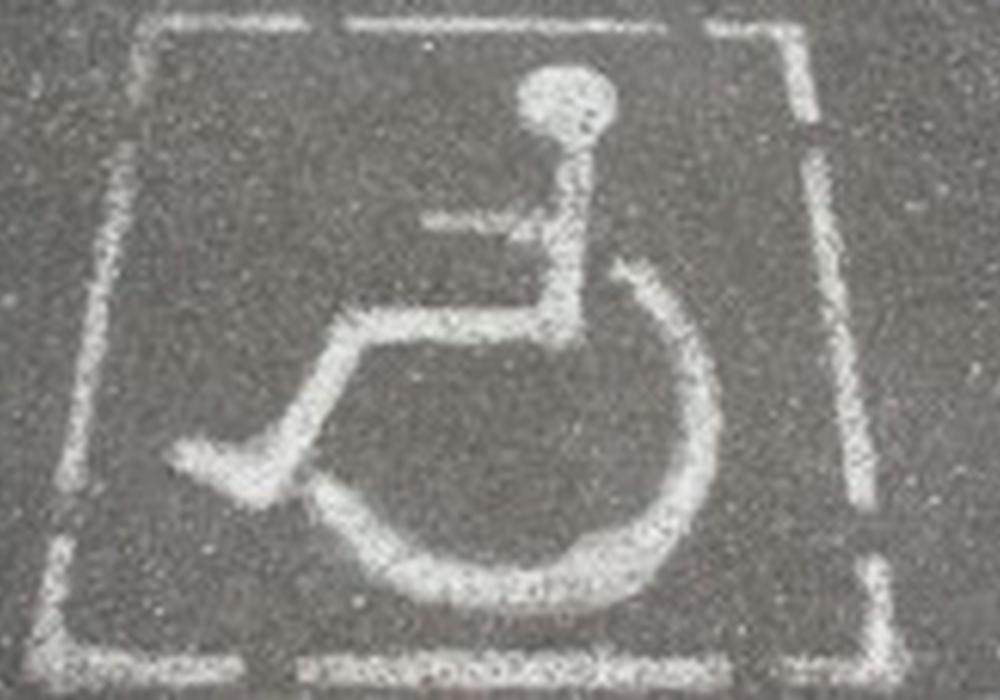 In der Stadt Braunschweig soll es zukünftig mehr  Behindertenparkplätze geben. Foto: Archiv