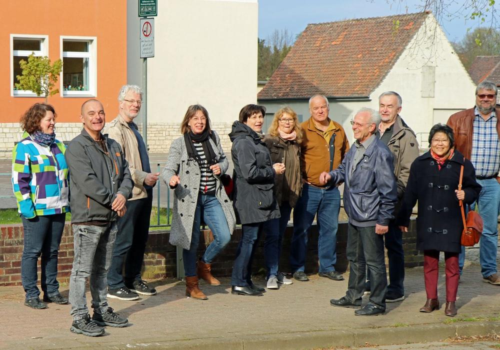 Die Mitglieder der SPD-Ratsfraktion unternahmen einen gemeinsamen Rundgang durch Offleben. Foto: SPD