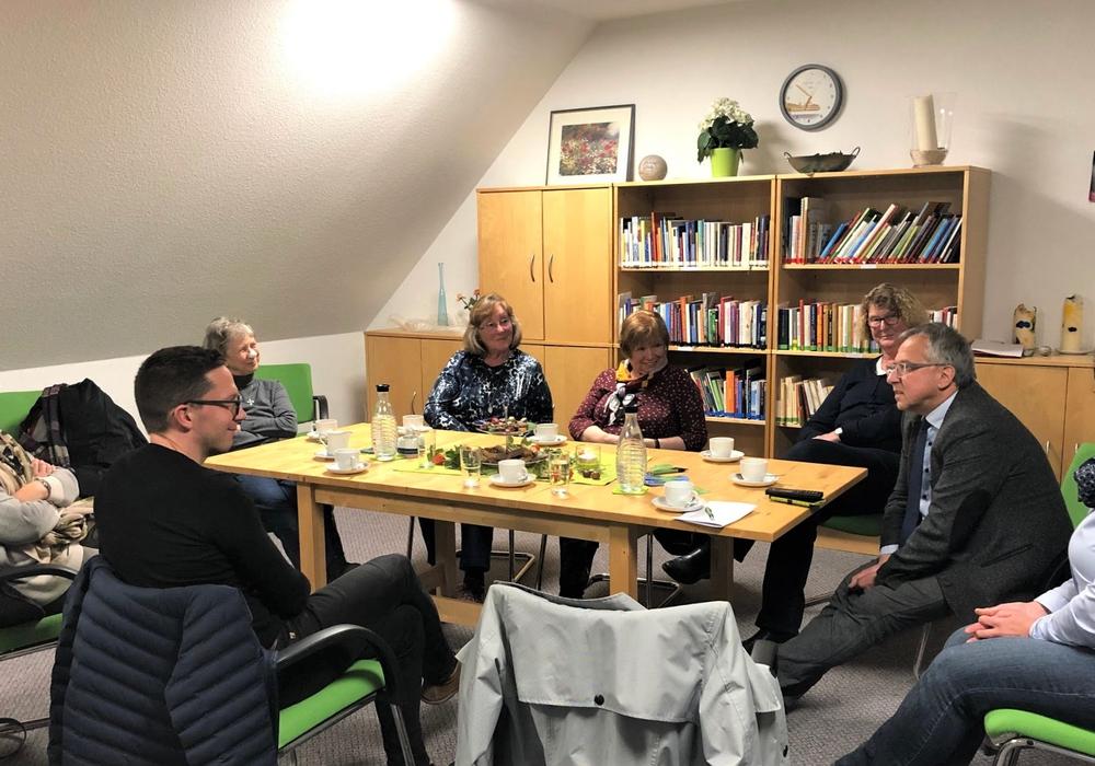 Falko Mohrs besuchte den Verein Hospizarbeit Helmstedt