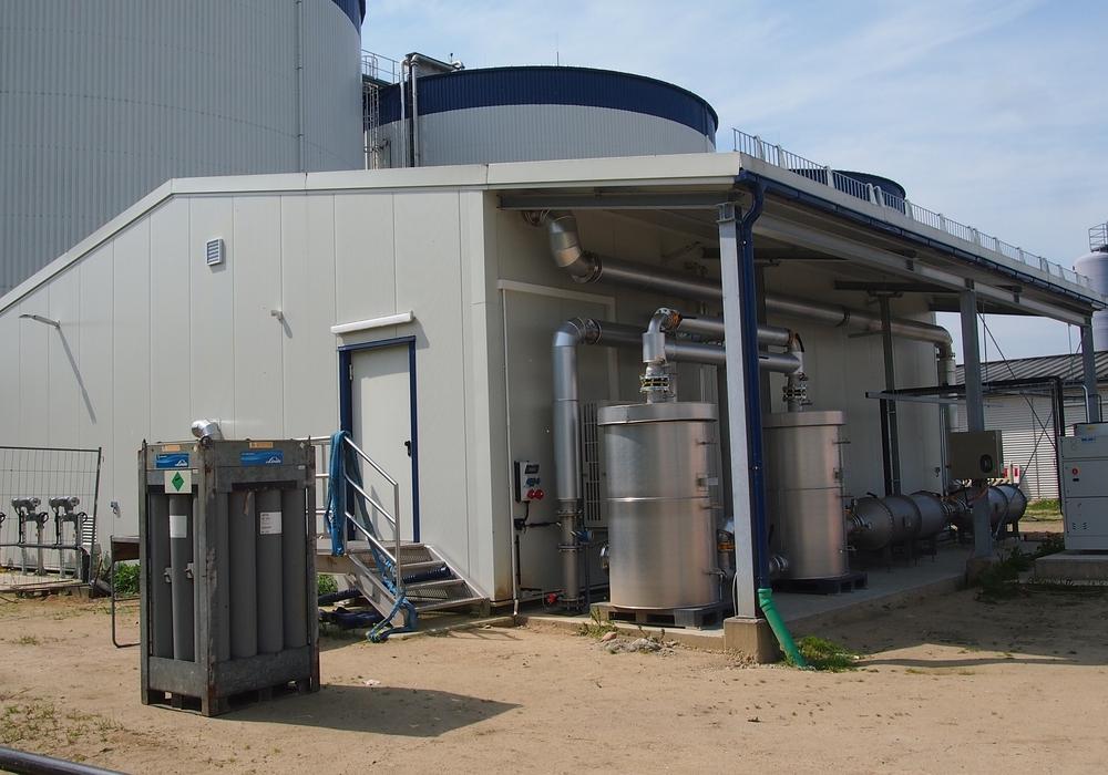 Außenaufnahmen der anaeroben Klärschlammbehandlung in der Kläranlage Stahlberg. Foto: WEB