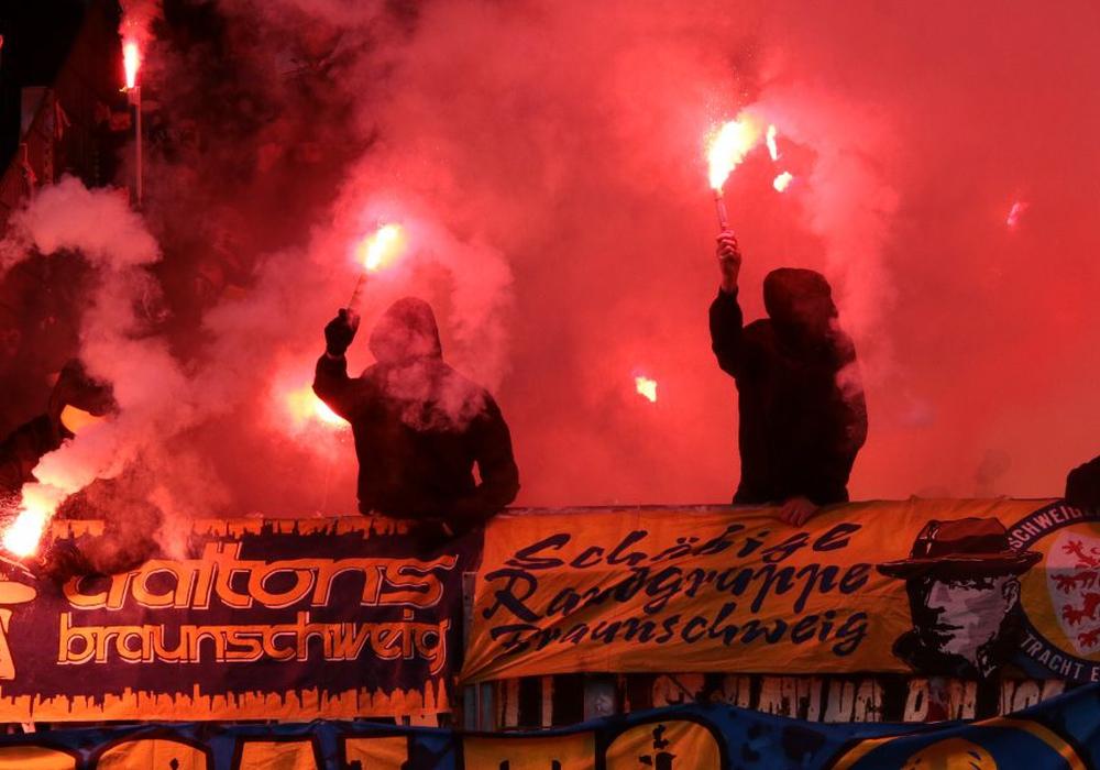 Eintracht-Anhänger beim Derby gegen Hannover. Foto: privat