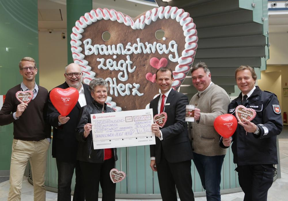 In diesem Jahr kamen so viele Spendengelder bei Braunschweig zeigt herz zusammen, wie noch nie. Foto: Stadtmarketing