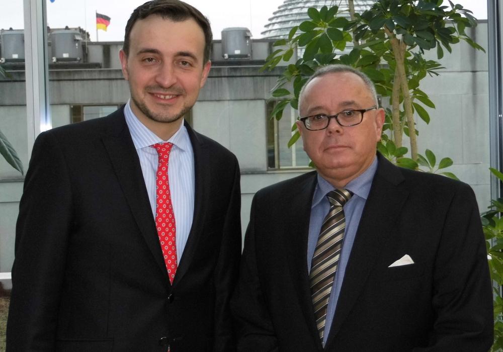 Der CDU-Bundestagsabgeordnete und Bundesvorsitzende der Jungen Union - Paul Ziemiak (r.) - beim jüngsten Treffen mit dem CDU-Kreisvorstandsmitglied Andreas Meißler im Jakob-Kaiser-Haus in Berlin. Foto: CDU