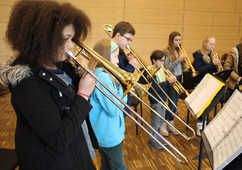 Mit viel Elan und Freude üben die musikalischen Gruppen des THG bereits bei den Musikarbeitstagen im März in der Landesmusikakademie. Foto: Oelschlegl