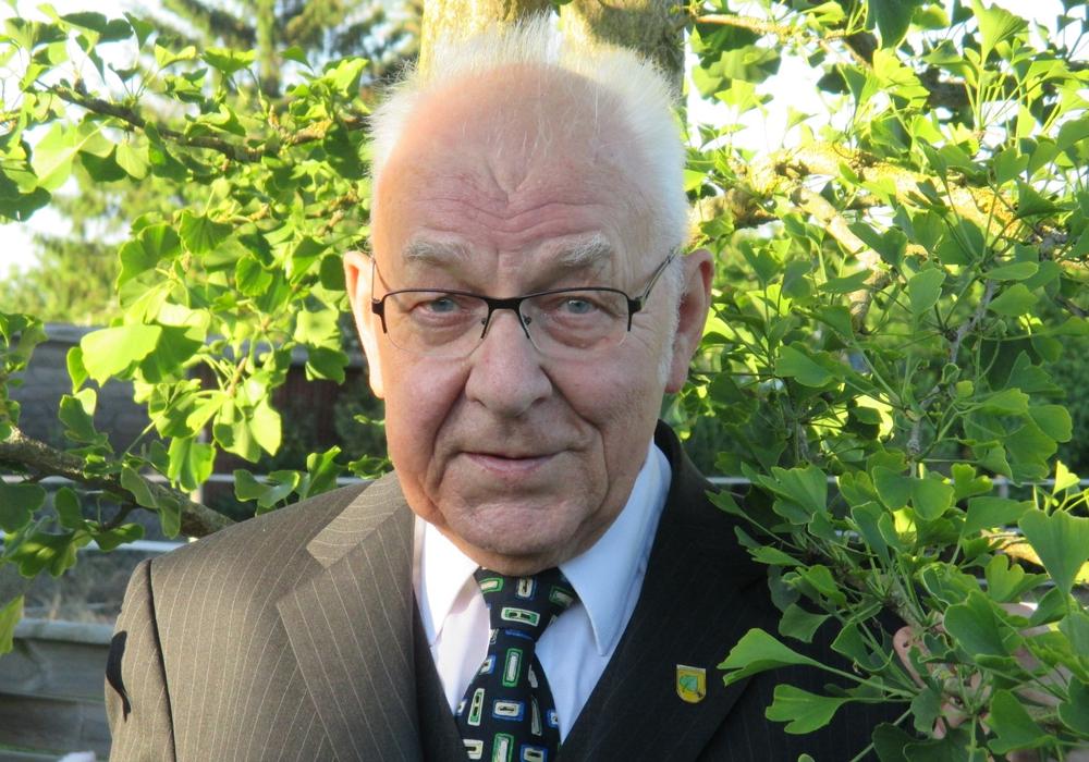 Sicktes Altbürgermeister Dieter Lorenz schickt seine Ostergrüße. Foto: Privat