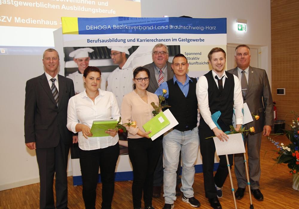 Die Absolventen im Bereich Restaurantfachkraft, Fotos: Siegfried Nickel